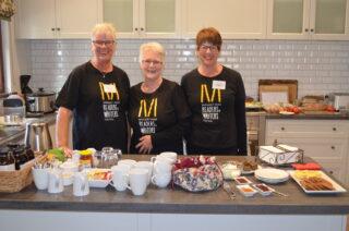 Mrrwf volunteers